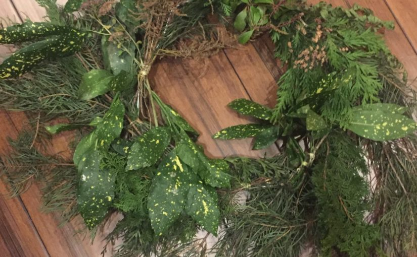 DIY Holiday Gift Ideas: Herbal Sachets, Closet Hanger Wreaths, Apple Pomanders
